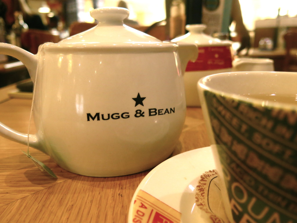Mugg & Bean Teapot